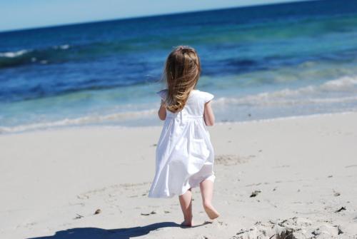 girl-walk-beach